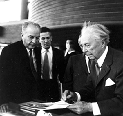 Lloyd Wright jr Frank Lloyd Wright Shown in